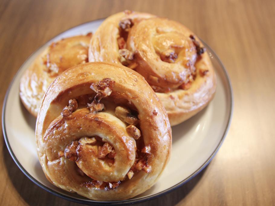 高松市のカフェKinco - デザートメニュー - 自家製パン